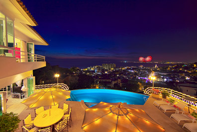 Casa Romantica - Overlooking the church and downtown Puerto Vallarta